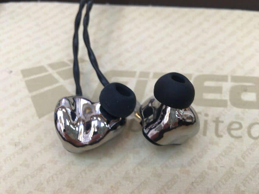 FItEar Titan earphonia .com