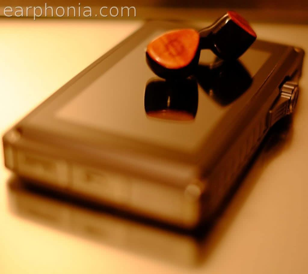 earphonia.com Empire Ears Zeus R earphone Review