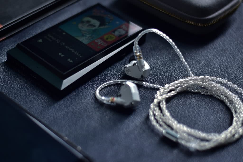 Campfire Audio Nova with Astell and Kern AK300 DAP