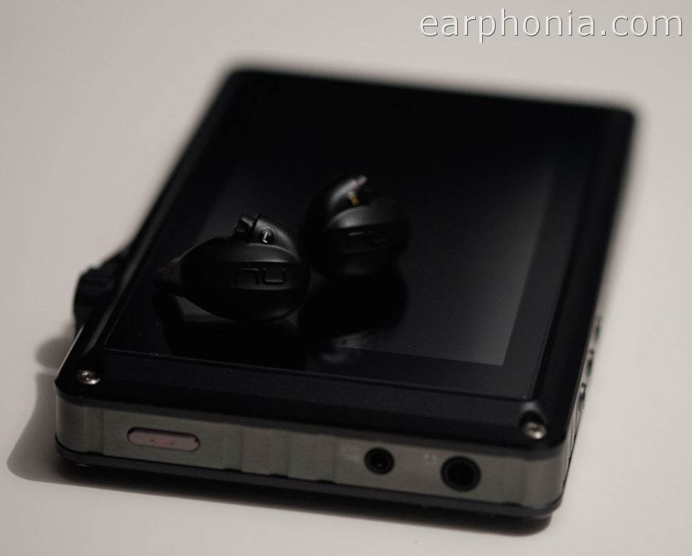 earphonia.com nuforce HEM8 Review