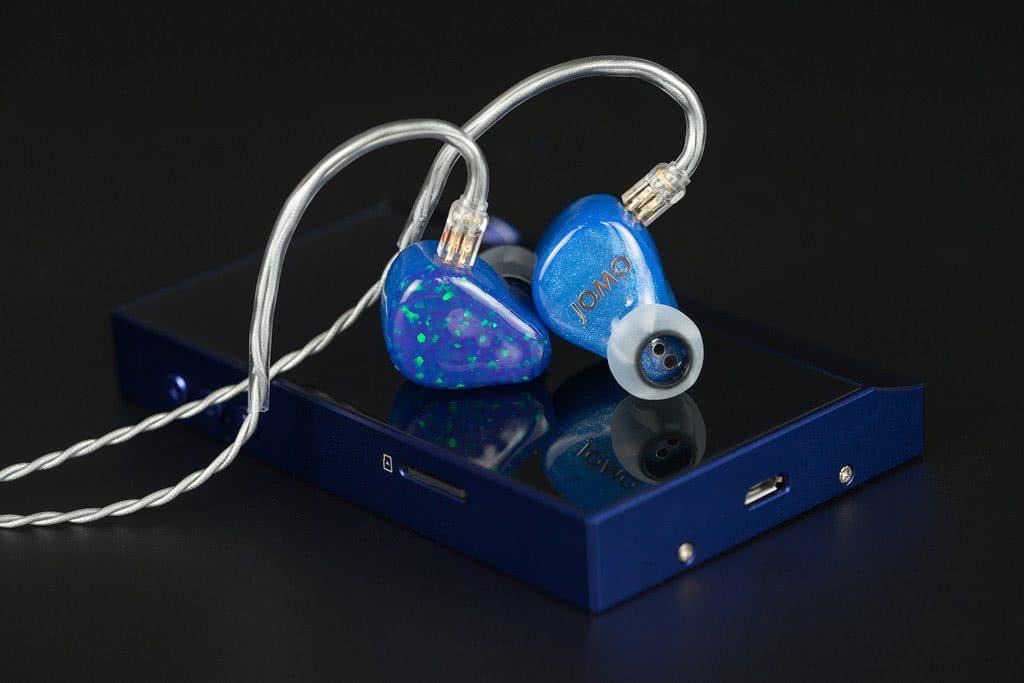 earphonia.com Jomo PLB Pretty Little Beast earphone Review