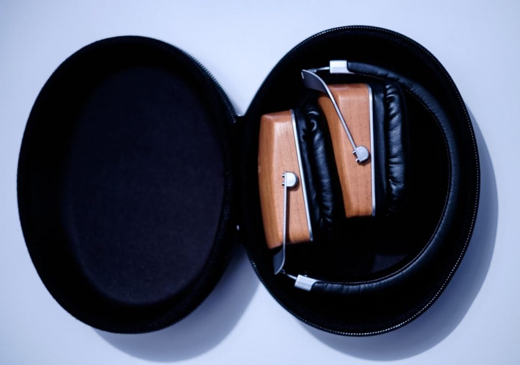 earphonia.com Mitchell and Johnson MJ2 headphone review