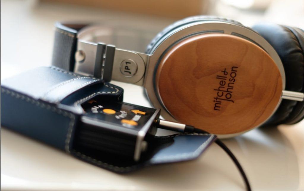 earphonia.com Mitchell and Johnson JP1 DJ Headphone Review