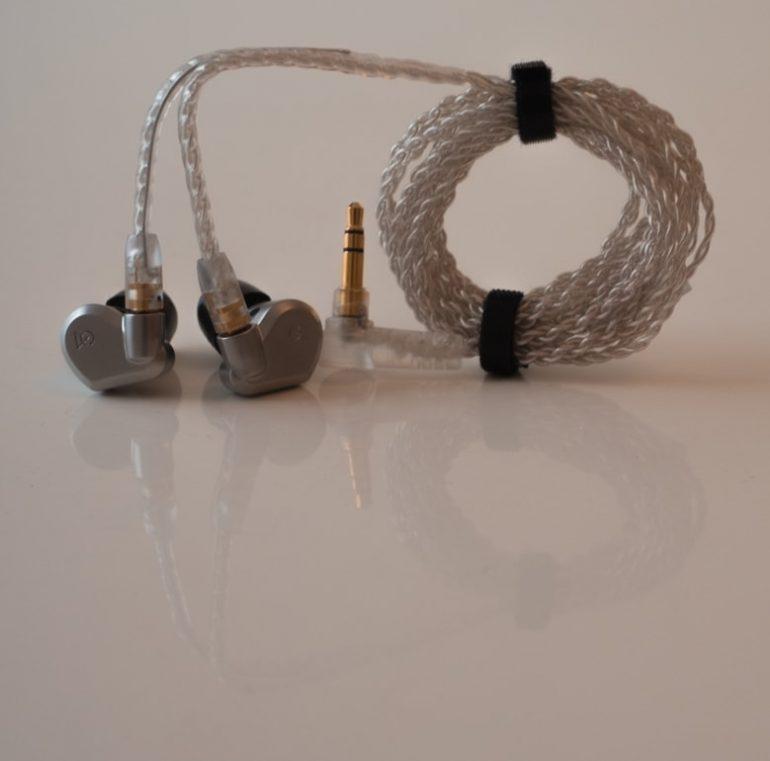 earphonia.com Campfire Audio Vega Earphone Unboxing