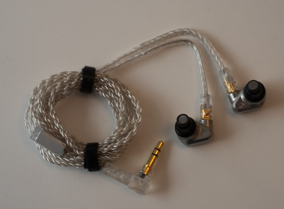 earphonia.com Campfire Audio Vega Earphone Unboxing