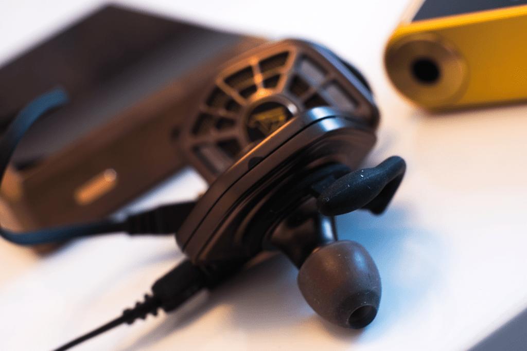 earphonia.com Audeze SpinFit CP155