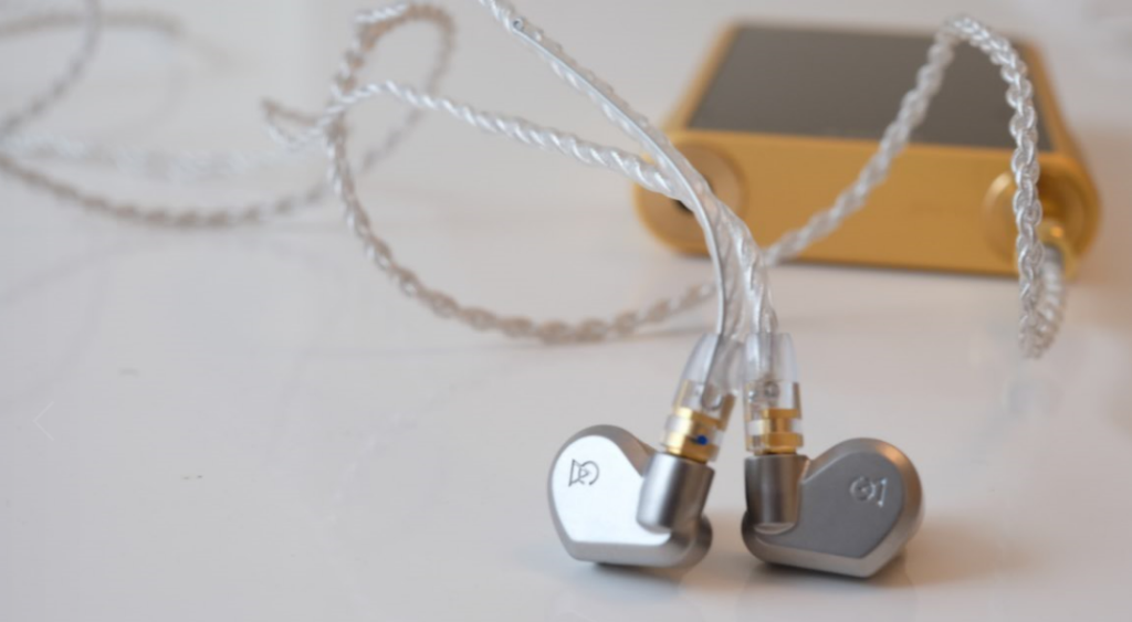 earphonia.com review Campfire Audio Vega Earphone