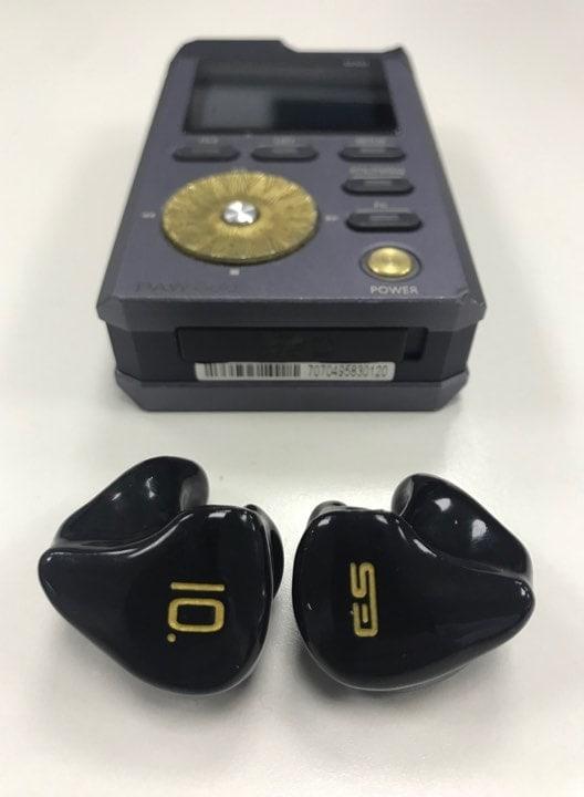 earphonia.com review Earsonics EM10 CIEM Earphone